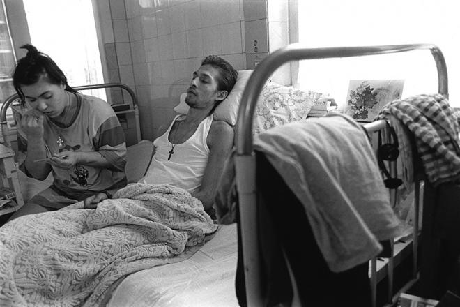 老照片:苏联解体俄罗斯涩情毒品泛滥艾滋病蔓延(5)