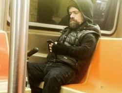 """大牌明星也做地铁,""""小样儿""""有的很装有的很自然"""